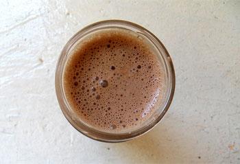 Čokoladni proteinski shake sa maslacem od kikirikija