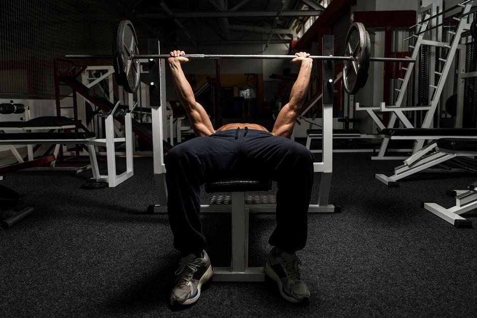 Vježbanje s utezima radi sagorijevanja masti