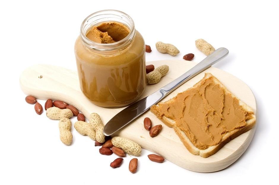 Maslac od kikirikija: s manje masnoća ili obični?