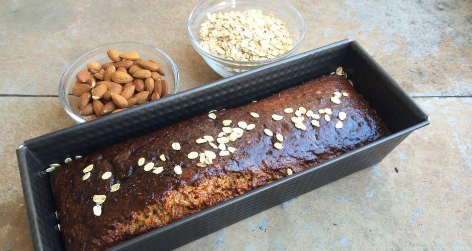 proteinski kolač od zobenih, cimeta i meda
