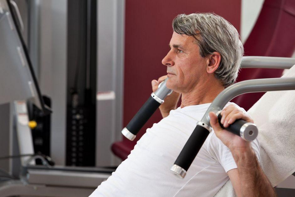 stariji fit muškarac