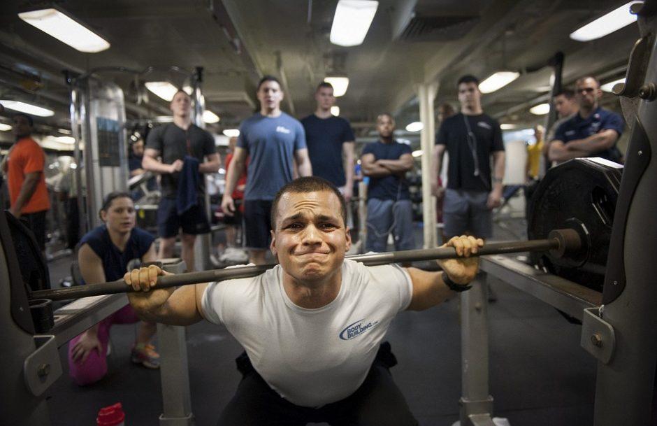 vježbač i društvo