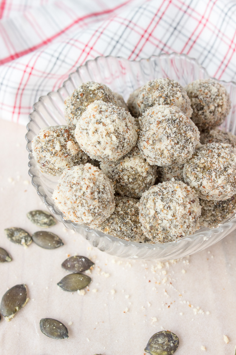 pumpkin-seeds-energy-balls-8461