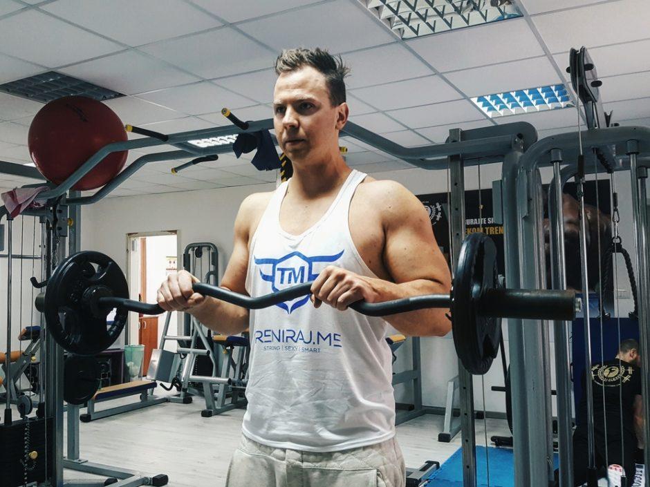 biceps pregib obrnuti hvat